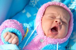 新生儿鼻屎多是怎么回事