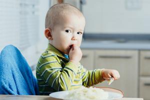 宝宝腹胀的症状