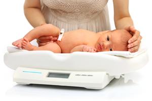 如何避免寶寶吃奶睡覺