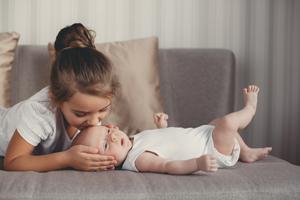 两个月宝宝吐奶的原因