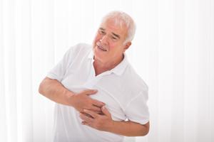 前列腺增生伴结石的原因