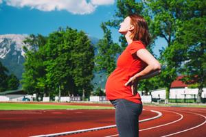 孕妇胎动频繁怎么回事