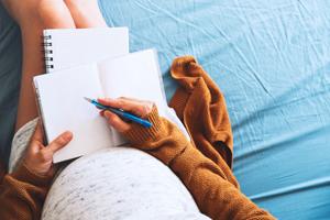 怀孕八个月胎儿被吓到怎么办