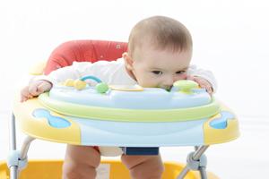 宝宝厌奶期在几个月