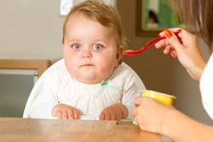 宝宝吸二手烟的危害