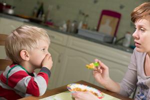 小孩子流鼻血是什么