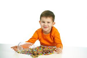 小孩总是吐口水是什么原