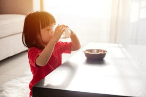 女孩7周岁乳房发育怎么办
