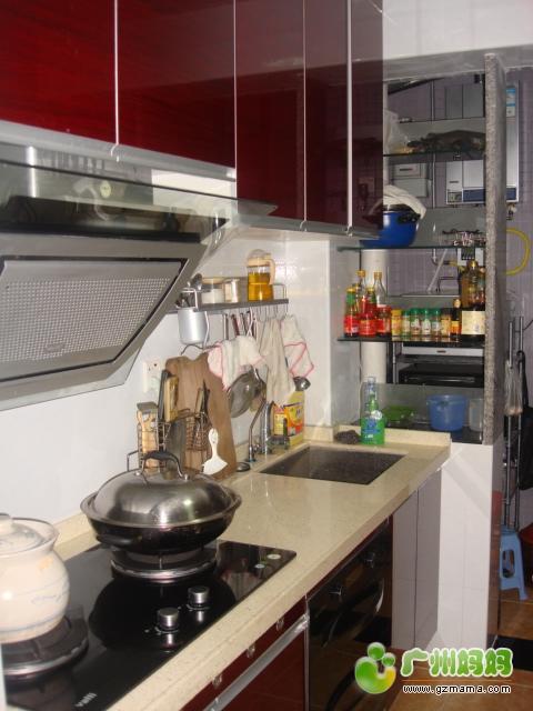 厨房左侧.JPG