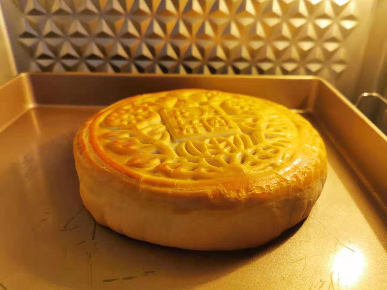比脸大!DIY香芋麻薯咸蛋黄大月饼