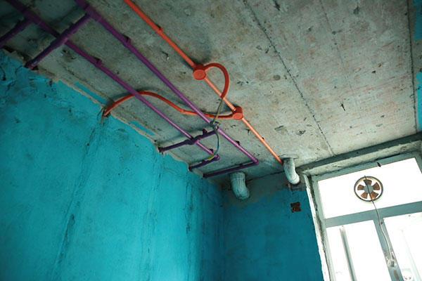 卫生间防水、水电走顶.jpg