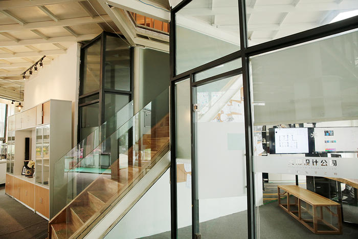 环境-楼梯.jpg