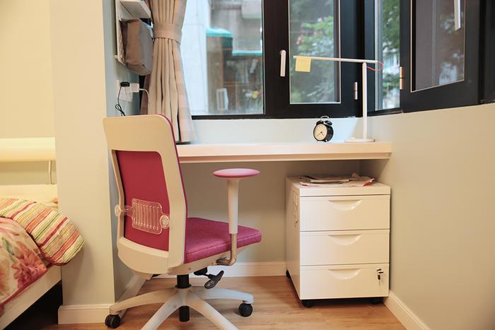 书桌1.jpg