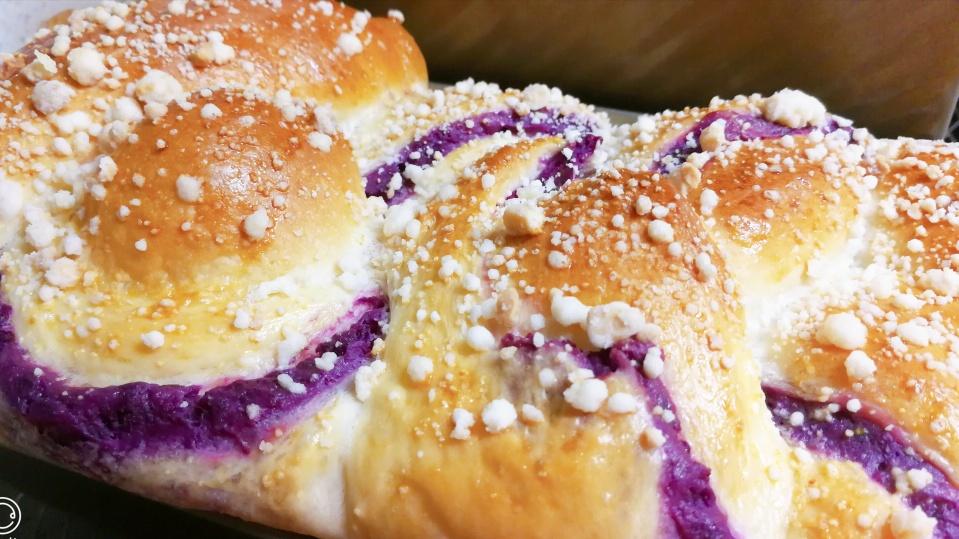 松软紫薯辫子面包!手撕着吃很过瘾
