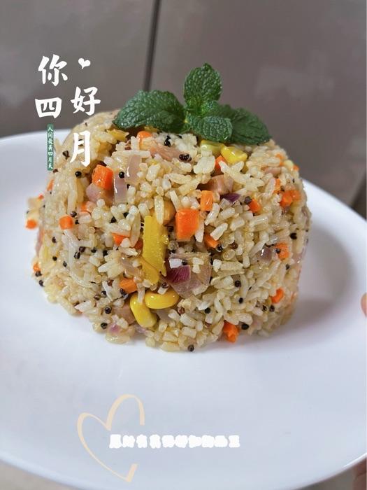五彩菠萝炒饭!简单炒炒好看又好吃