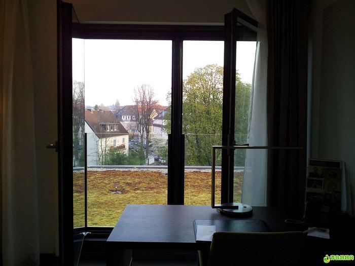 我住的酒店窗外,有点像青岛
