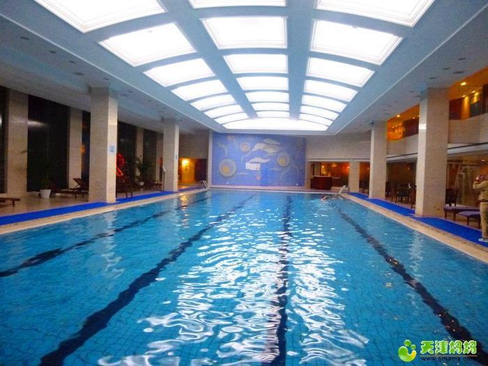 開元市內泳池