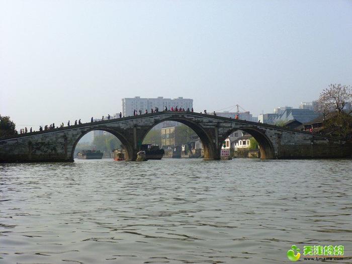 清晨的拱宸橋