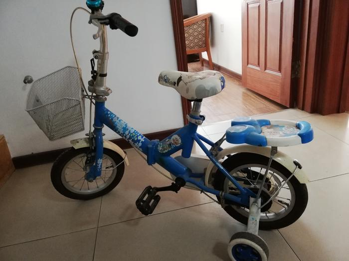 蓝色自行车1.jpg