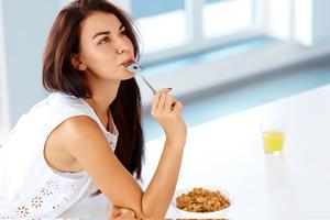 产后使用收腹带会导致子宫下垂吗