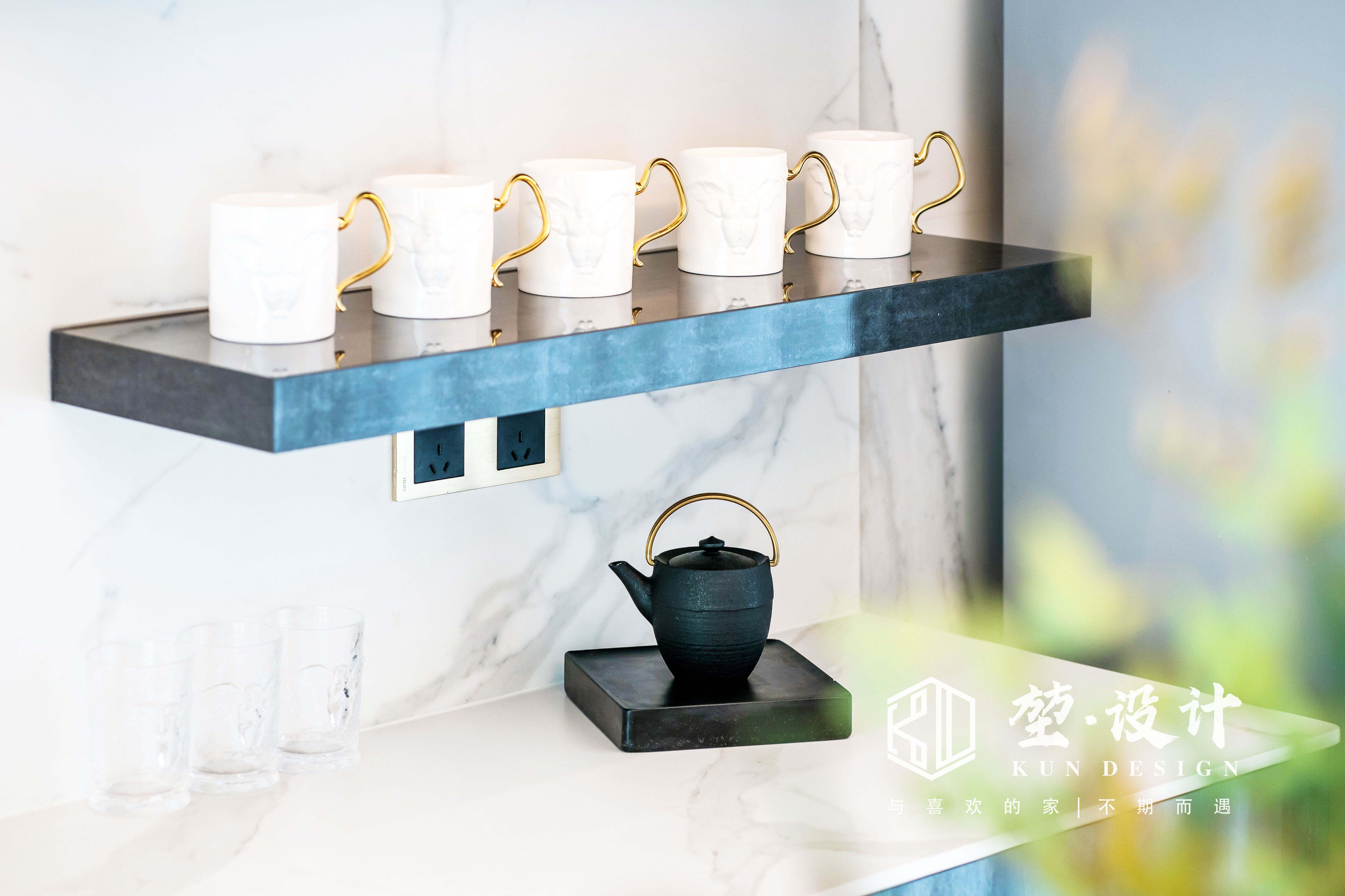 堃·设计实景:明净 | 汇美景台现代简约复式,卧室藏着超大衣帽间